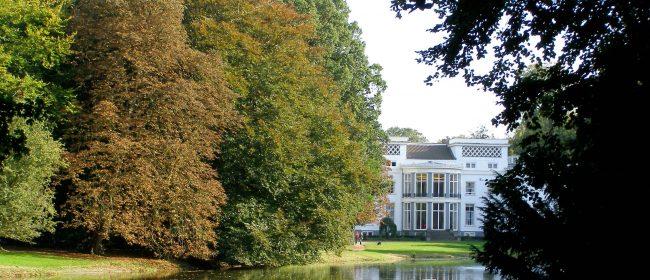 Villa de Pauw met vijver